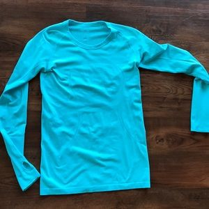 Lululemon long sleeve fitted workout shirt- new